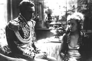 Willy Fritsch und Lilian Harvey in einer Szene des Films Der Kongress tanzt