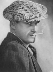 Willy Fritsch raucht