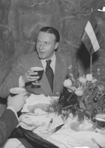 Willy Fritsch beim Presseempfang in Stockholm/Schweden, 1934